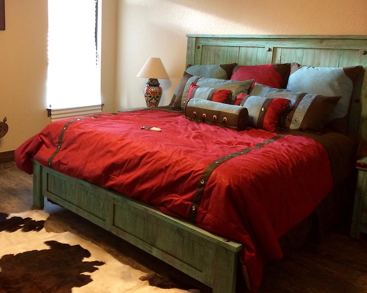 King Turquoise Pine Bed