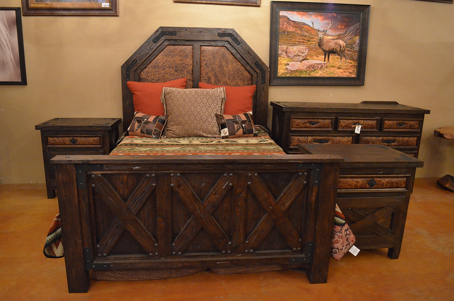 Queen Alder Barn Wood Bedroom Set