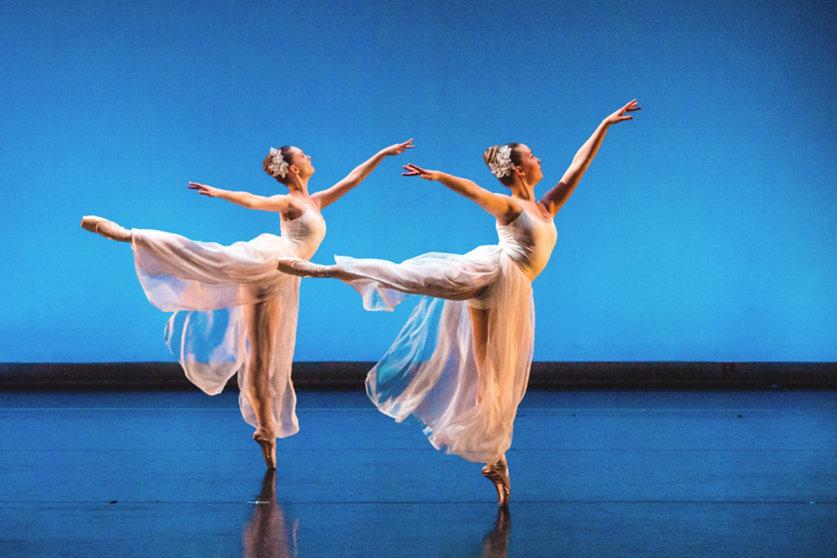 ballerinas, ballet, dancers, two dancers