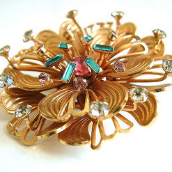 GOLD BROACHES