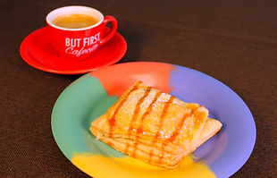 Pastry and cafe con leche at Medianoche Cafe, Berwyn