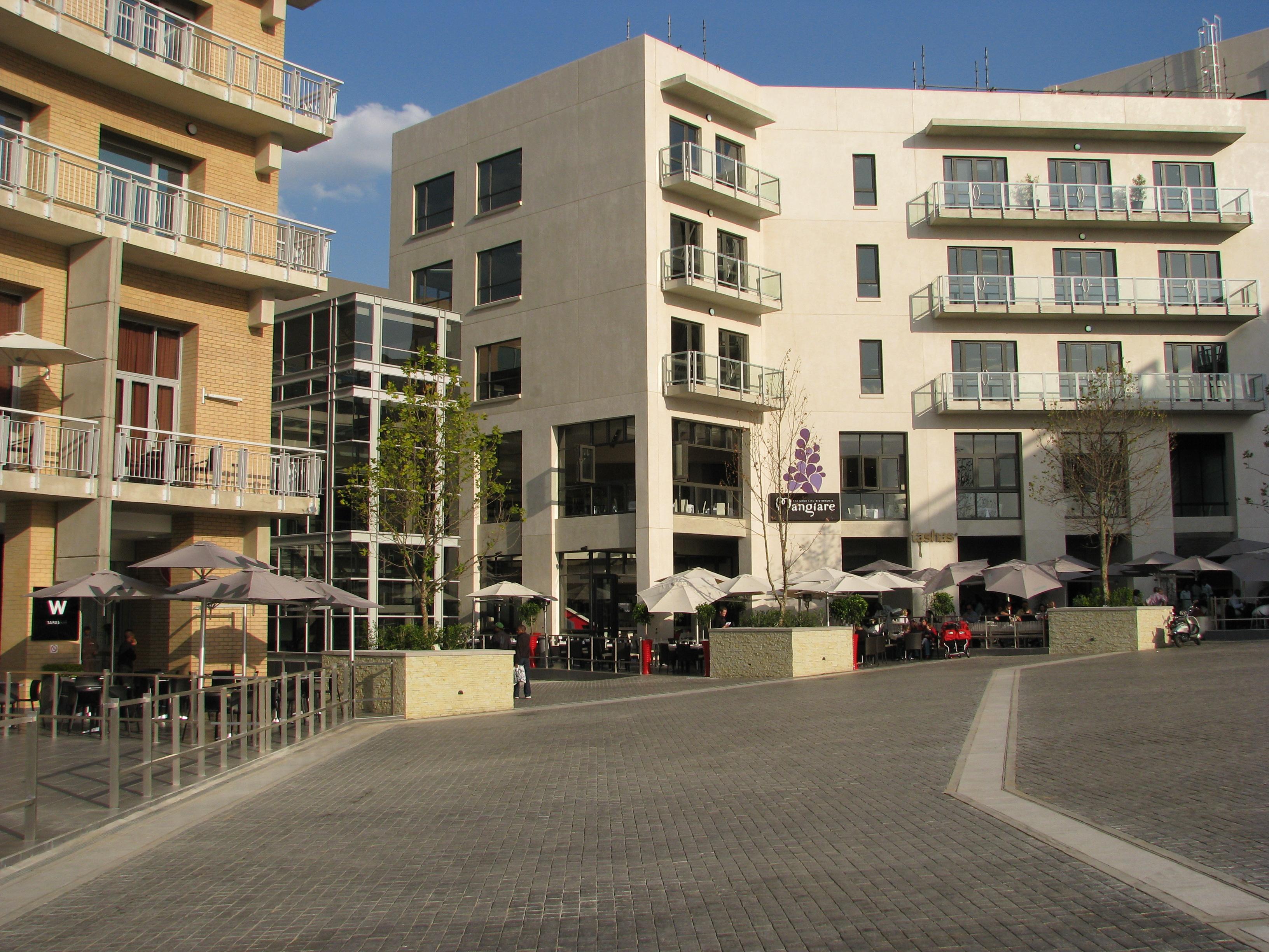 Melrose Piazza.JPG