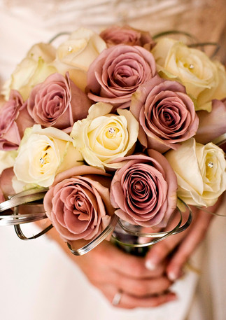 Dusky pink and silver rose bouquet