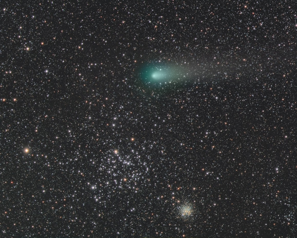 Comet 21P / Giacobini-Zinner close encounter with star clusters M35 and NGC 2158