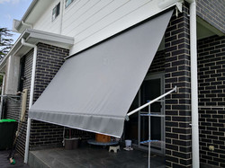 Robusta awning (stronger arms) outside v