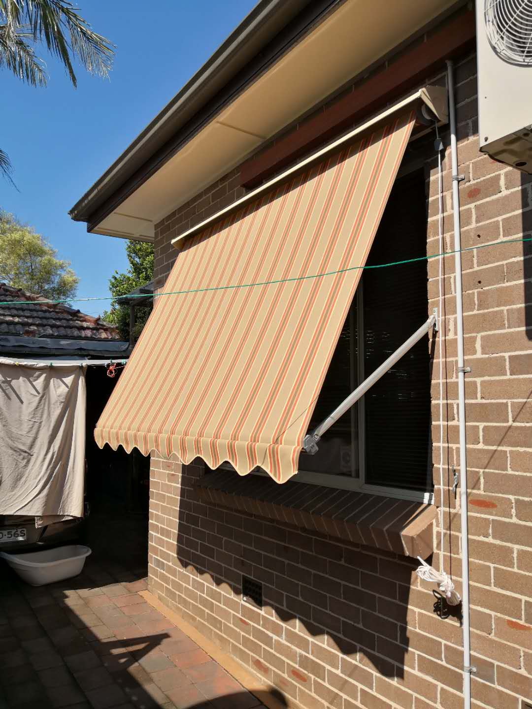 system 2000 pivot arm awning