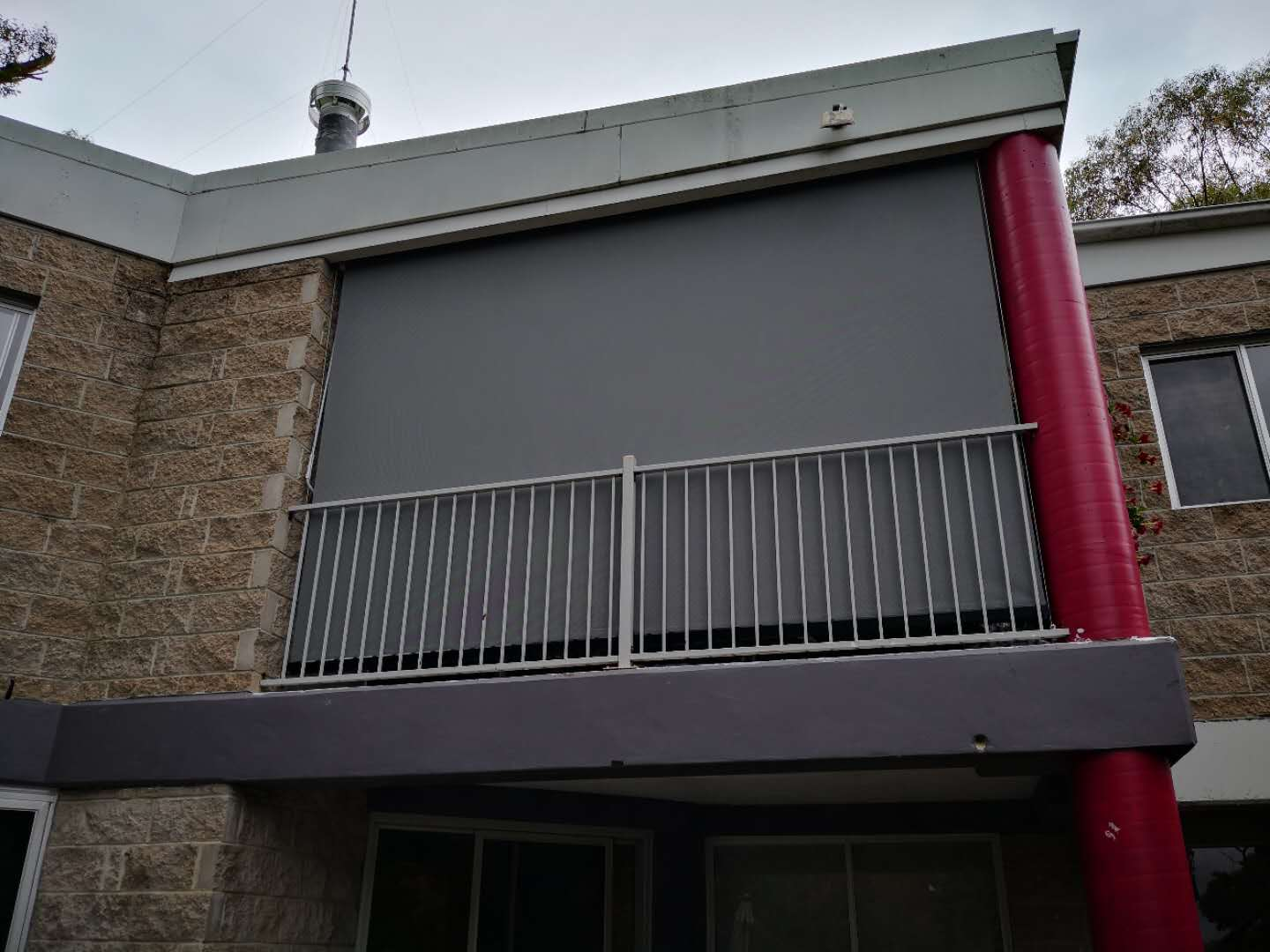 wire guided awning outside view