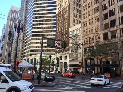 Pela Market street de São Francisco