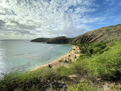 Na praia de Hanauma Bay, em Oahu no Hawaii