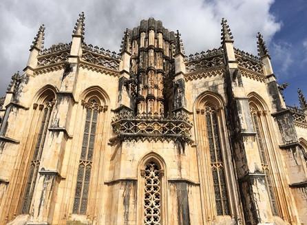 Em Batalha, um mosteiro histórico