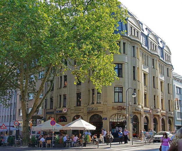 Moving Media Office: Am Hof 28, 50667 Cologne