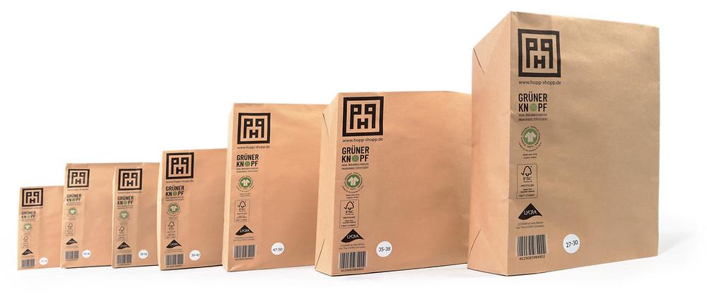 Reine Papierverpackung für den Versand von Hopp-Socken