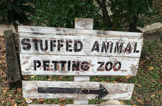 pettingzoo-sign.jpg