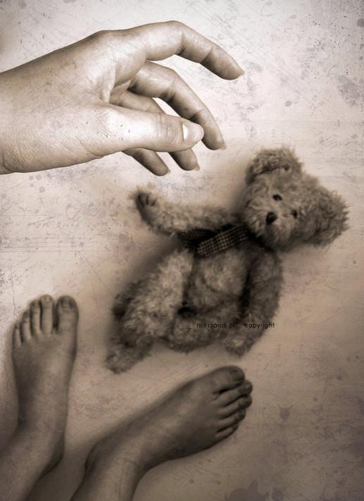 lost_childhood_by_suzythebutcher.jpg
