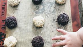 CHOCOLATE or VANILLA MACAROONS