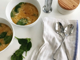 SUPER SIMPLE EGG DROP SOUP.
