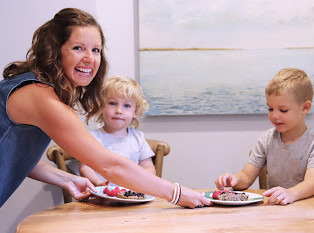 GUEST POST - 4 Tips for Raising Eager Eaters