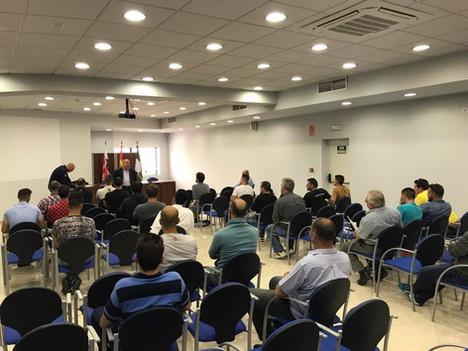 Reunión previa con personal de seguridad, para la organización y gestión de un evento con aforo impo