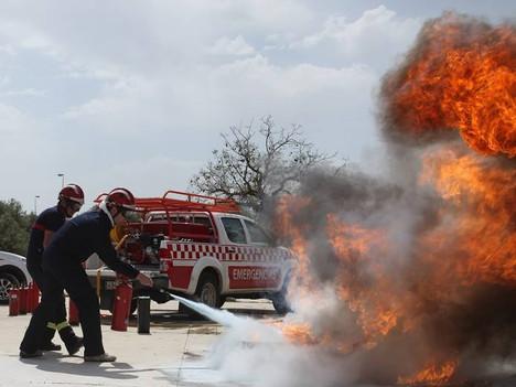 Hoy hemos impartido un nuevo curso de uso y manejo de extintores para Vigilantes de Seguridad. Una f