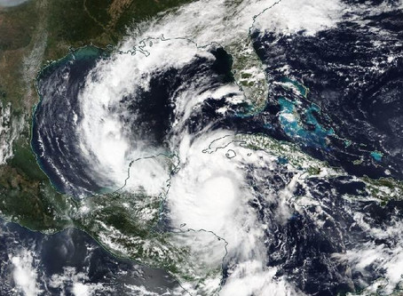 עונת הוריקנים נגמרה?..  אולי אפילו עוד לא הגיעה לשיא