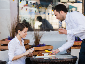 Casual Conversation Tips for Restaurant Servers in Singapore