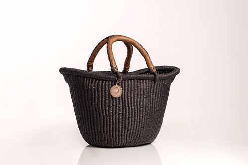 Sustainable storage straw basket for the home