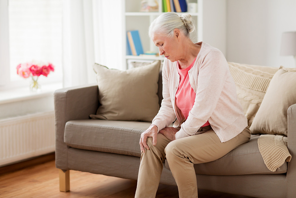Senior Care in Atlanta: 5 Ways to Improve Pain Without Medicine