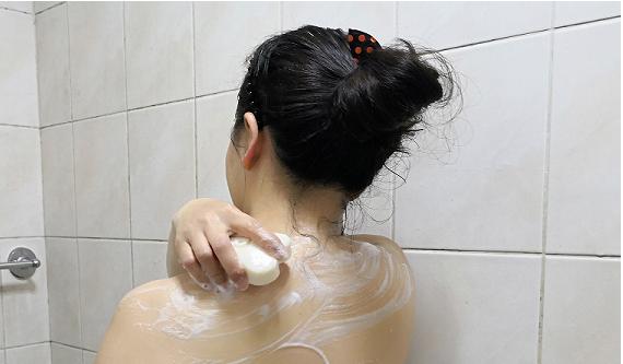 比一般市面上的肥皂,使用更久的時間,不會軟軟趴趴的,CP值超高真的很划算