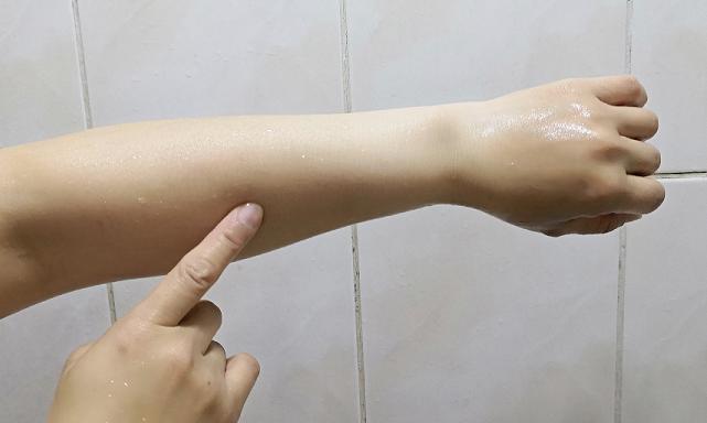 洗後肌膚古溜溜,觸感好細緻好好摸唷~~