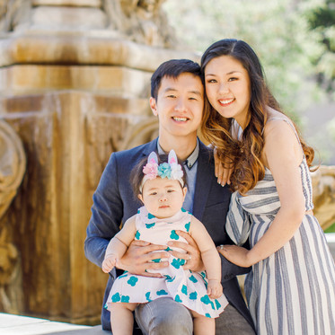 CHOOSING A LOCATION  FOR  YOUR FAMILY SESSION