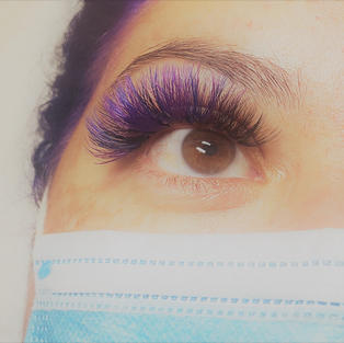 HIGHLIGHTS TO LASHES
