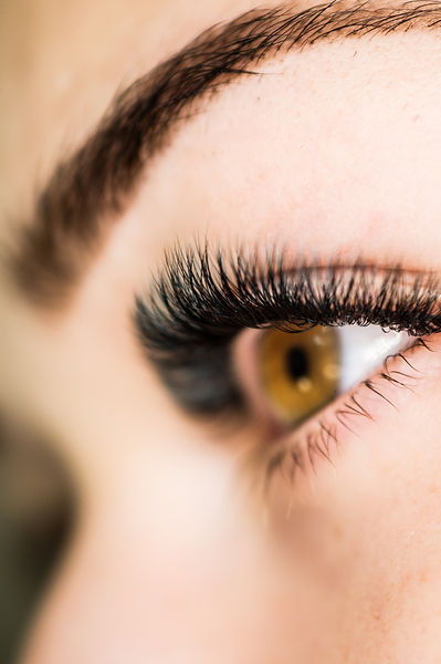 Artificial%20eyelash%20extensions%20in%20the%20master%20of%20eyelash%20extensions%20in%20t