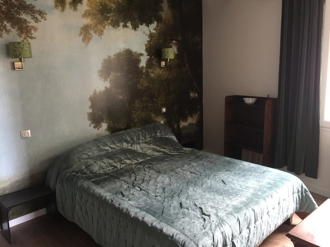 bed is 1,60m wide