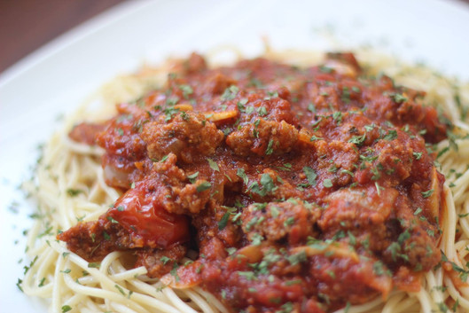 Deliciously Meat Sauce Sriracha Spaghetti