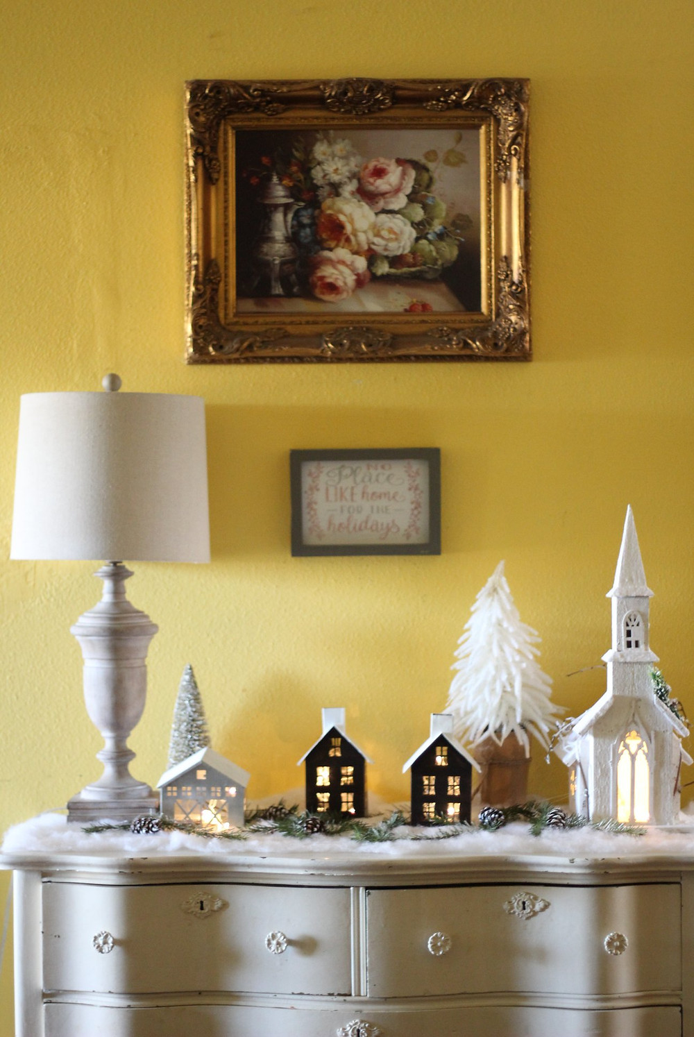 Tiny house christmas decor