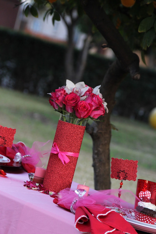 Valentine's Day Table Decor Inspiration