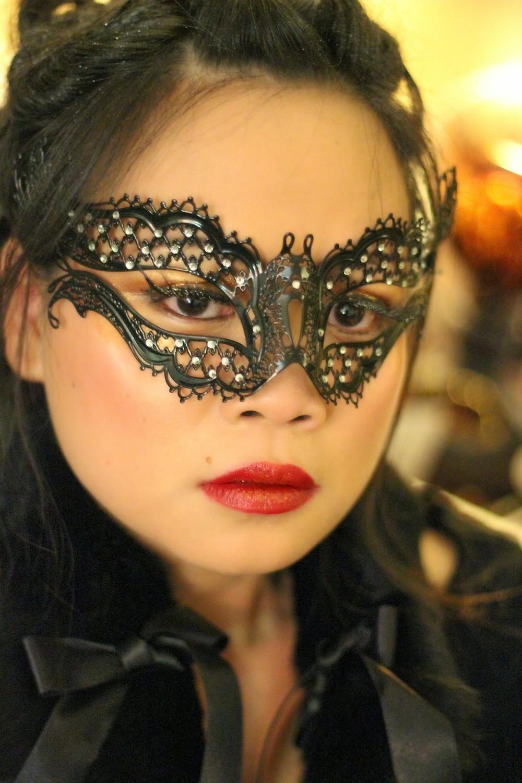 masquerade halloween look