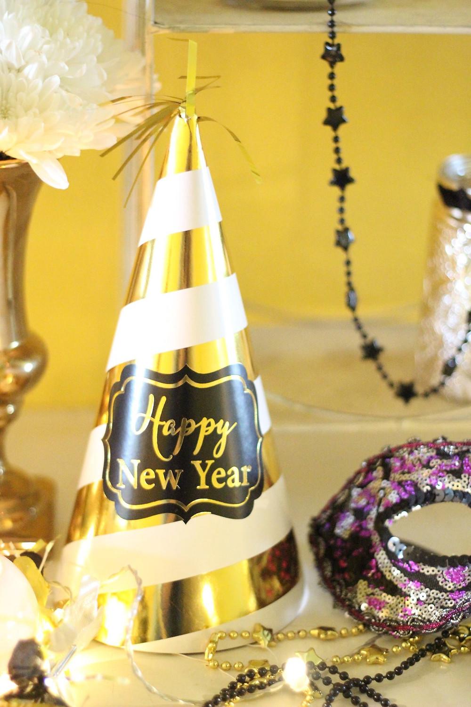 masquerade New year's eve decor