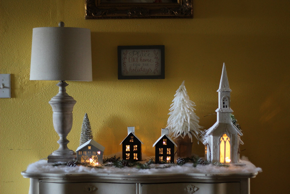 TIny houses Christmas Decor