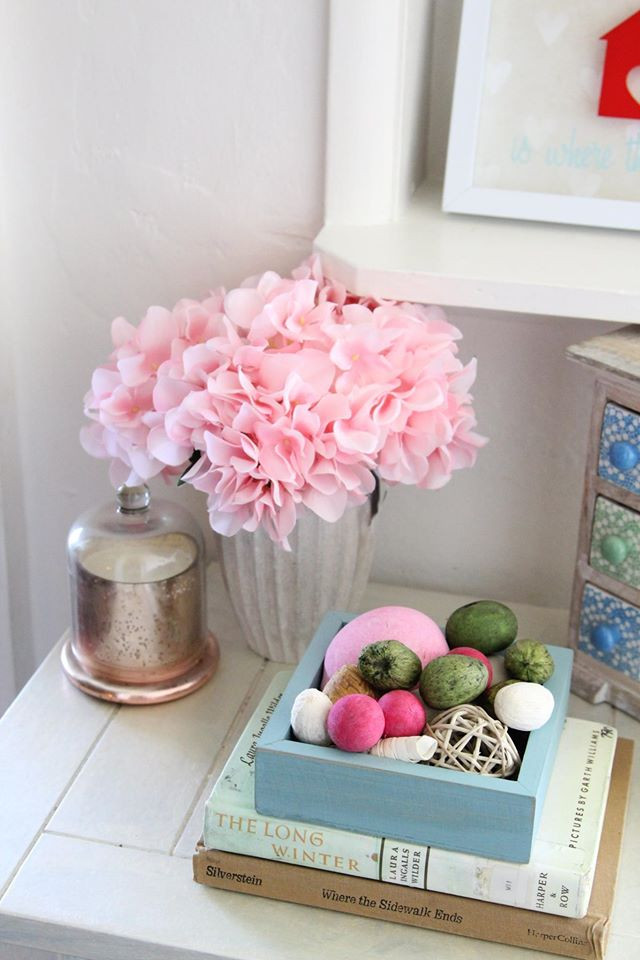 Spring corner table decor