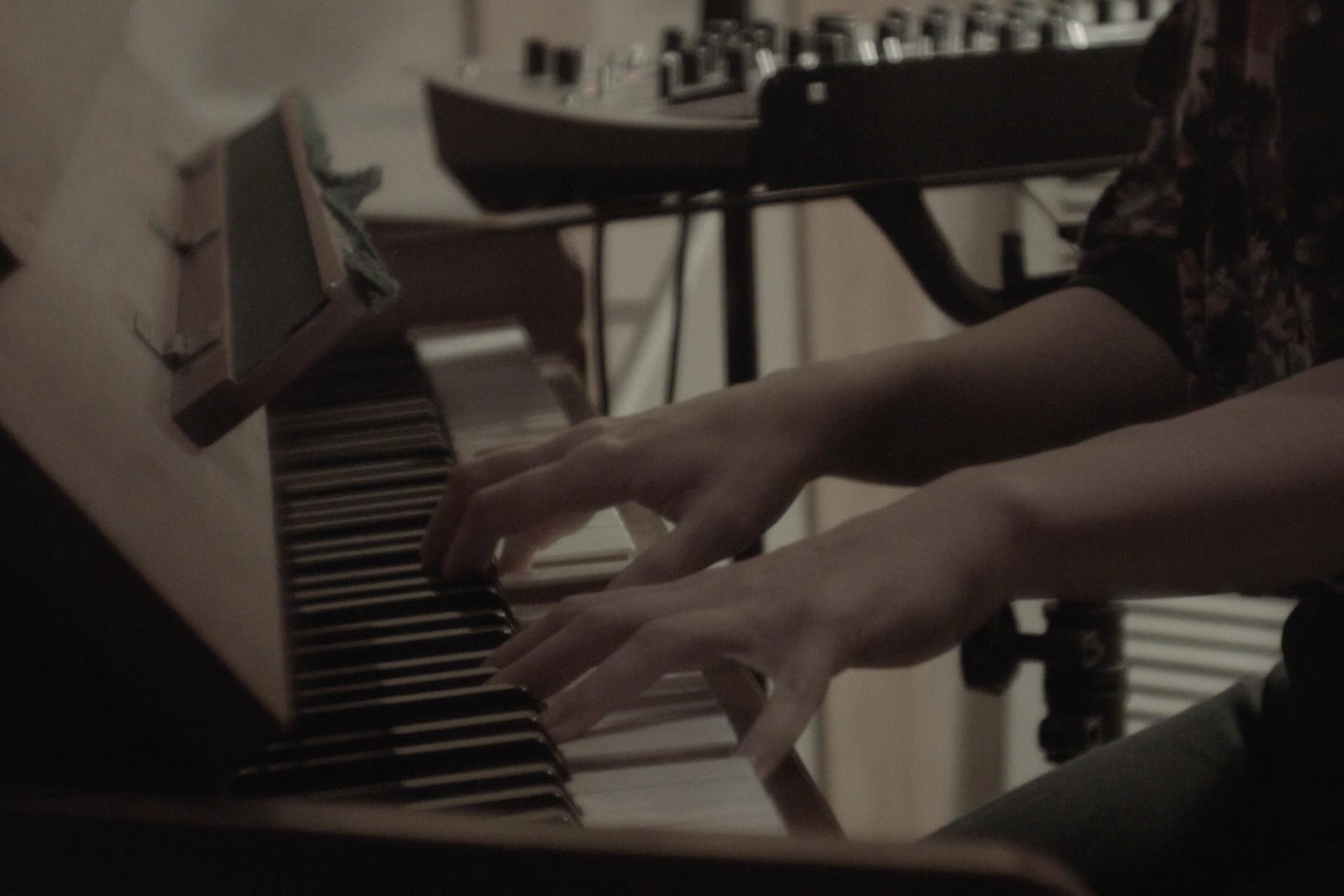 Sivan Levy - Come Home