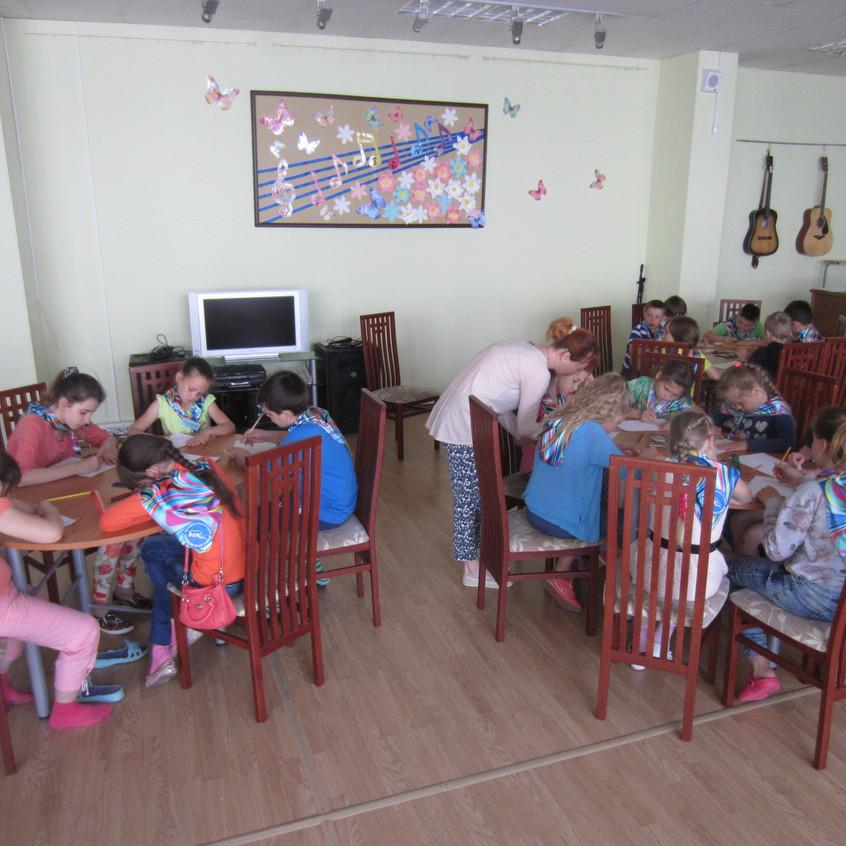 «Московская смена», на базе ГБУ РЦдИ «Ремесла», посетила ФОК «Савелки» (5)
