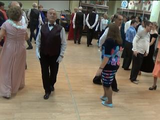 Давайте потанцуем и споём, ведь мы в Ремёслах весело живём!