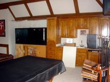 Cabinets_2b.jpg