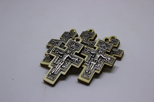 pendant 5 crosses from metal and wood