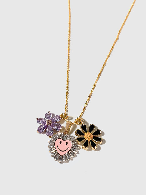 Smiley & flowers necklace