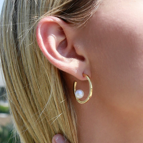 14k gold hoop earrings with freshwater pearl