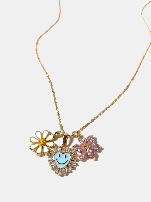 Flower smiley tri necklace