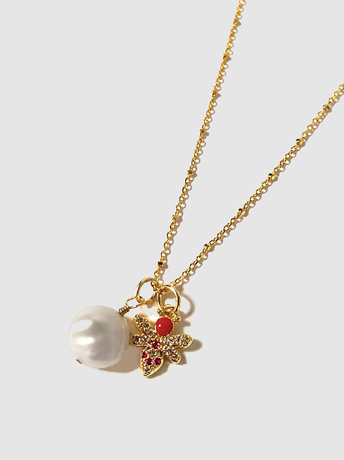 Dragonfly pearl necklace