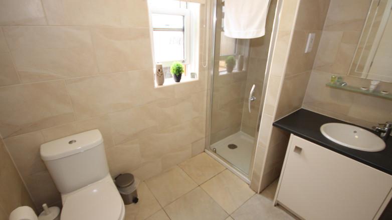 Holly Lodge Master En-Suite Bathroom